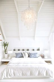 White bedroom  www.v