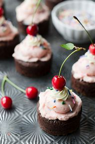 Strawberry Brownie S