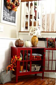 Fall decor in entryw