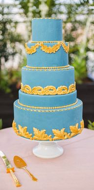 Blue cake with gold