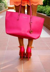 Hot pink tote to mat