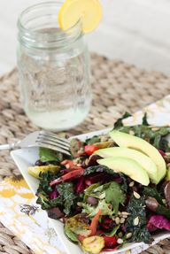 Detox Salad by eatin