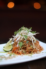 pad thai. pure food.