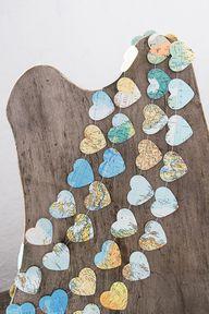 Paper garland buntin