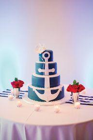 Nautical wedding anchor cake, Todo Dulces; Photo: Captured Photography by Jenny