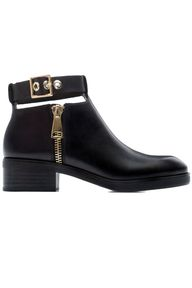 flat boots for fall: