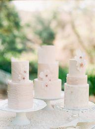 Pink wedding cakes:
