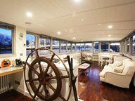 houseboat wheel hous
