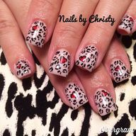 We ❤️ #nailart by Ve