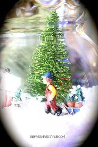 Mini Snow Globe - DI