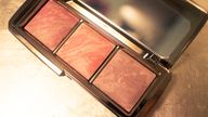 Hourglass ambient bl
