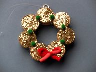 Gold glitter wreath