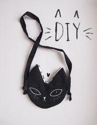 DIY cat pochette for
