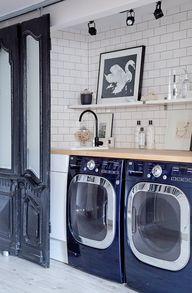 Laundry closet. Mast