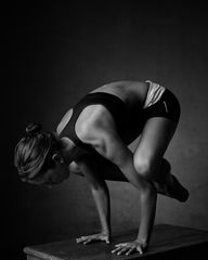 crow | yoga