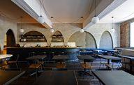 Ester Restaurant & B