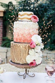 3-tiered wedding cak