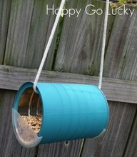 bird feeder out of an empty can