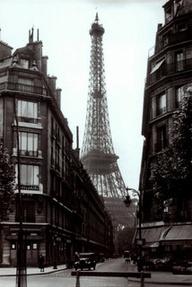 Paris Street Scene 1