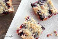 Blackberry crumb bar