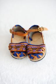 Closed Toe Sandal-La