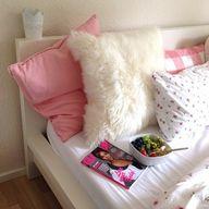 faux fur pillow!! Cl...