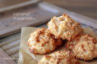Easy coconut macaroo