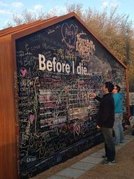 "Le ""Before I die"" de"