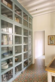glass cupboards + th