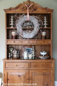 Christmas hutch deco