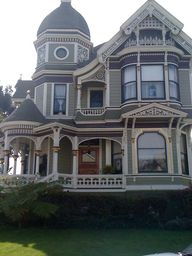 Victorian Home - Jus