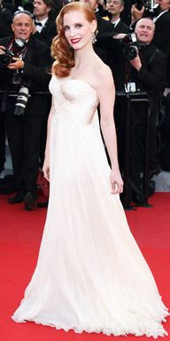 Jessica Chastain in Armani, 2012 - So old  Hollywood!  Great makeup and hair!