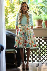Tuck it in....plaid and floral  #versiebyanniem