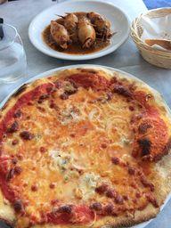Pizza and stuffed ca