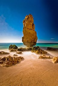 Praia da Marinha, Po