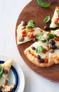 Cheese and Olive Piz