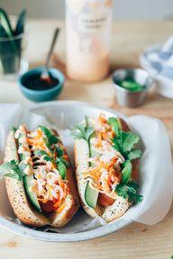 Hot dog gourmet.