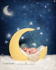 Newborn wooden cresc