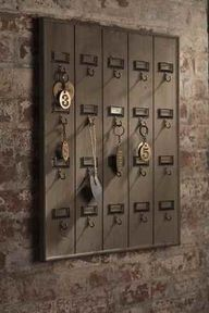Vintage Hotel Key Ho