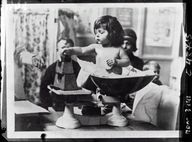 1932: Baby weighing