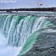 Niagara Falls (Canad