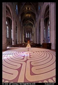 Labyrinth and nave,