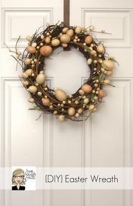 A festive wreath wel