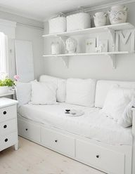 Daybed with storage,