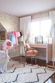 Girl's vanity desk