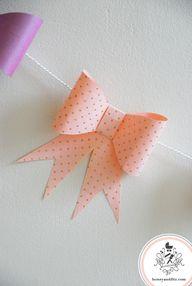 DIY Paper Bow Garlan