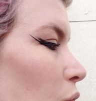 Simple Cat Eye / Dou