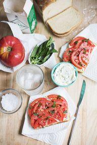 Tomato toast with ga