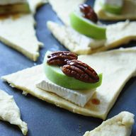 Brie and Apple Cresc