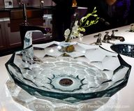 Briolette glass bath